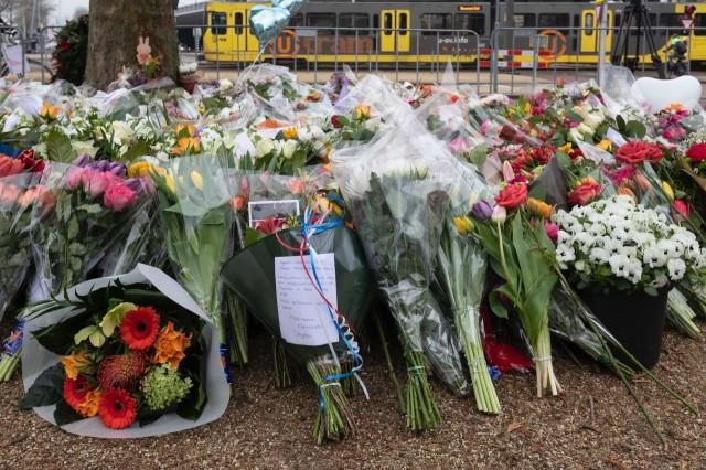 bloemen-bij-tram-utrecht